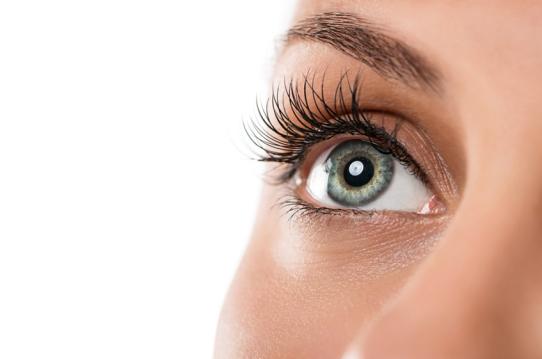 Lidoperation: Aufgenfalten u. Tränensäcke entfernen